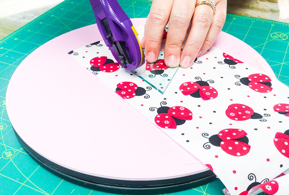 Sue Daley's Rotating Cutting Mat!