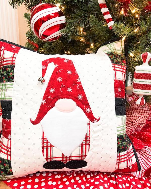 Christmas Gnomes Pattern.Gnome For The Holidays Pillow Kit