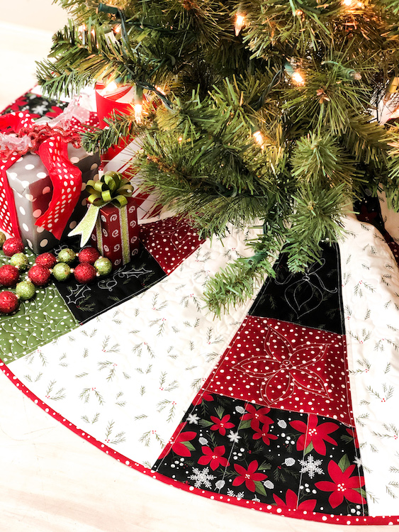 Christmas Tree Skirt Patterns.Christmas Tree Skirt Pattern Serger Style